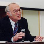 Klaus-Heinrich Standke lors d'une conférence