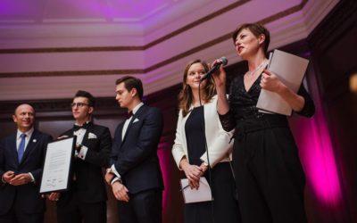 Ruszył program mentoringowy EmpowerPL który łączy młodych Polaków studiujących na najlepszych uczelniach w Polsce i Europie, z czołowymi menadżerami i szefami firm.