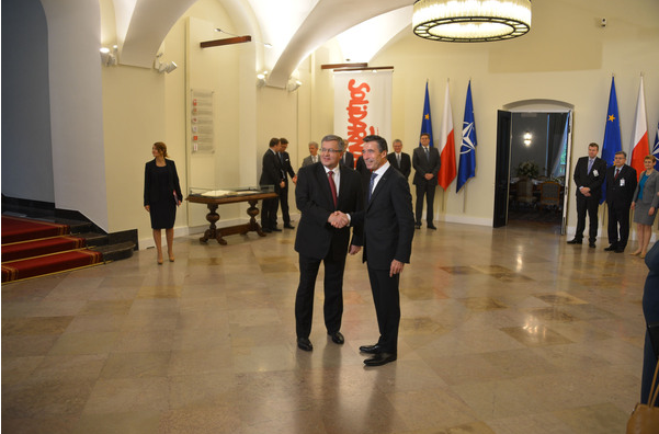 NATO Secretary General Anders Fogh Rasmussen (right) and the President of Poland, Mr. Bronislaw Komorowski (left)