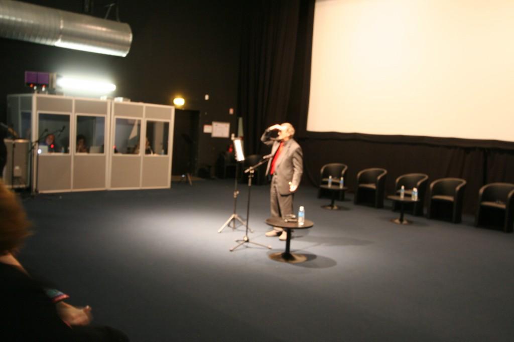 Norman Davies venu présenter Microcosme (photo : Michel Leclerc pour l'APGEF)