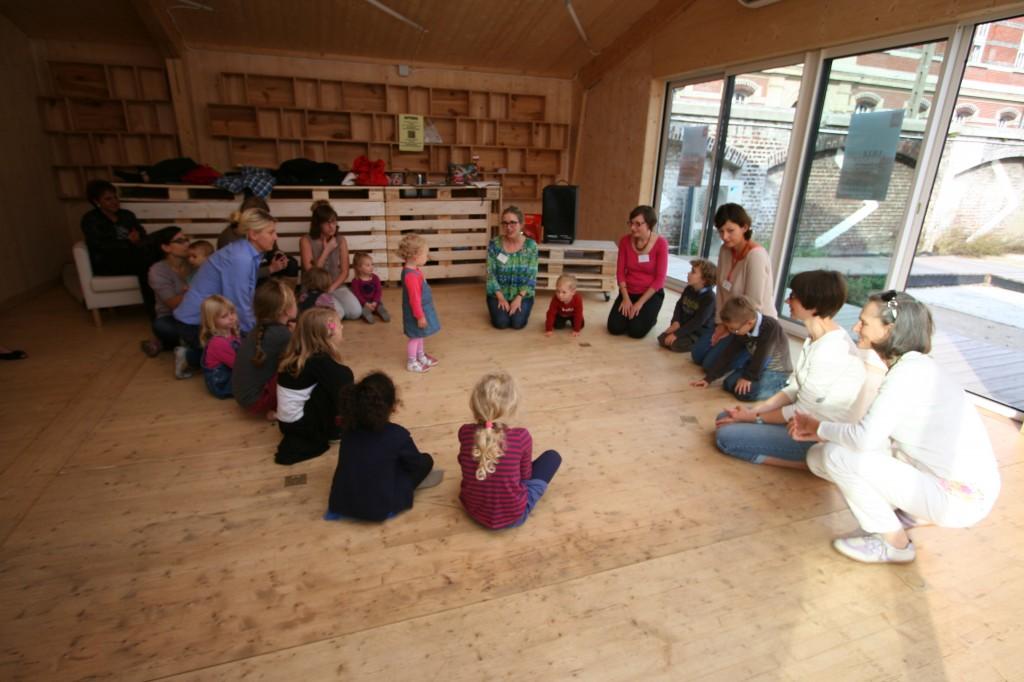 Atelier musique et chant  (photo : Michel Leclerc pour l'APGEF)